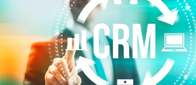 Empresa usando software CRM