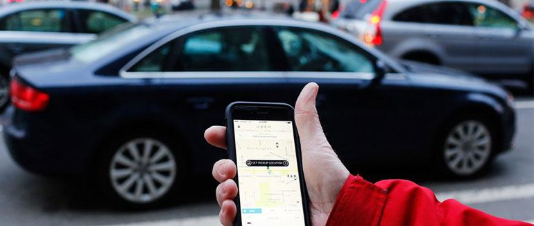 Facebook prueba a pedir coche a través de su chat